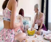 Horny teen girls love sex and cum swapping - Eva Elfie from মোসুমি ও অপুর ভোদা mosumi opumilk picture ও দুধের ছবি